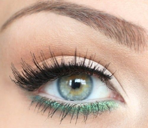 3 Ways to Get Bold and Beautiful Look green shadow